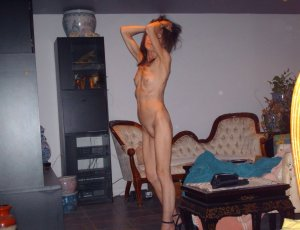 Gurbet russian escorts in Merrillville, IN